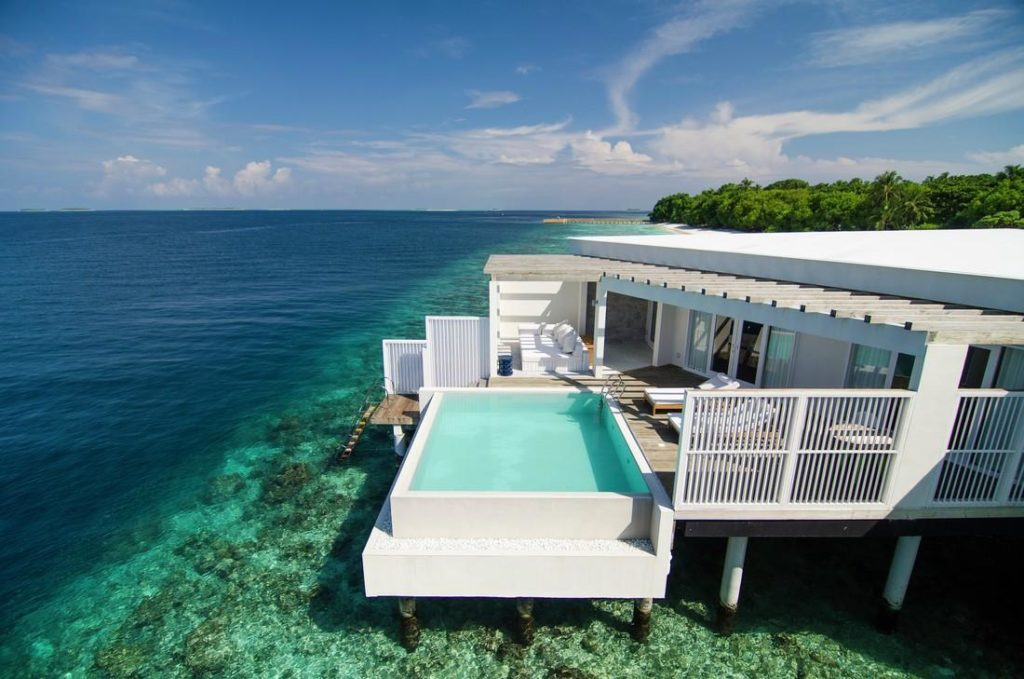 Amila Maldives Sunset Watervilla with Pool